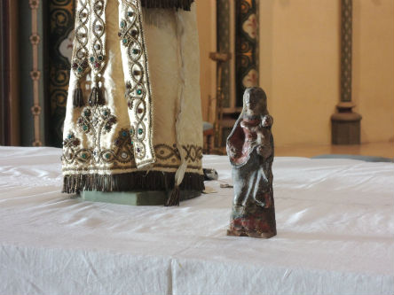 Statuette de la Vierge Marie de Bon Encontre