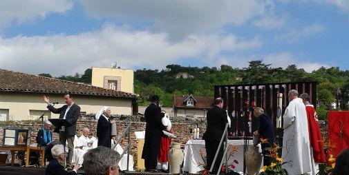 Messe d`ouverture du bicentenaire