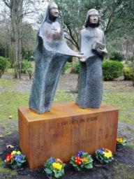 Statues des Fondateurs Sainte Marie Grand Lebrun